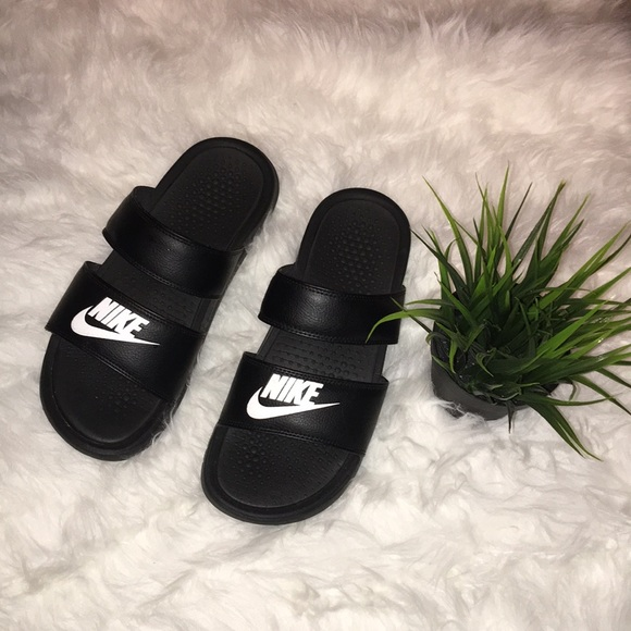 buy online 6e8c1 a2401 Double strap Nike sandals